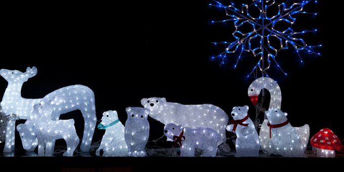 *Christmas Decorations were going up in Funlandia while Catherine's spirit watched and would s