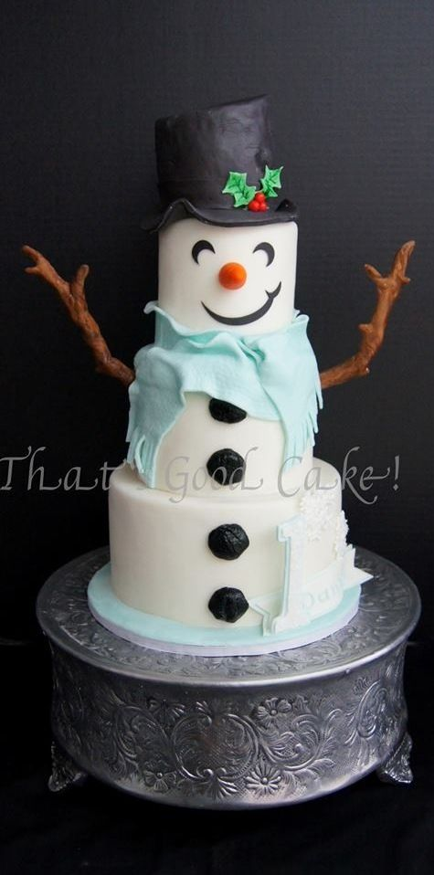 *She brings over a snowman cake as a gift for Mystia.* Merry Christmas! @deaftoallbutthesong 12-4