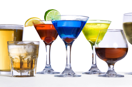 *Kaname sent over more drinks to Ren helped bring them over* cocktails-gifs-animes-7108819