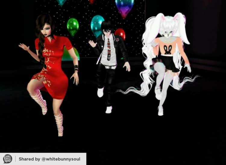 *Dancing to some awesome songs at Il Palazzo Zucherro with mommy Helena and Rin bro.* @sweetsugardem