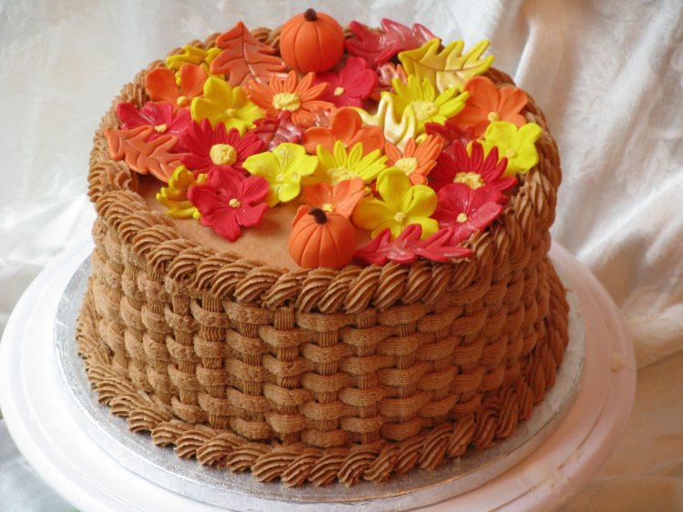 // A fall themed cake for all those born in this October month // 39c18bd3dc9ff822825a874d63390eb6