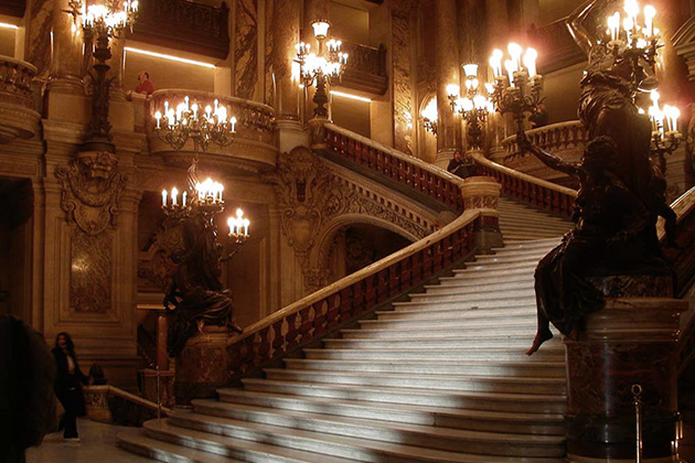 *The mansion within the Sanguinarium Society was being held together due to the collective powers of