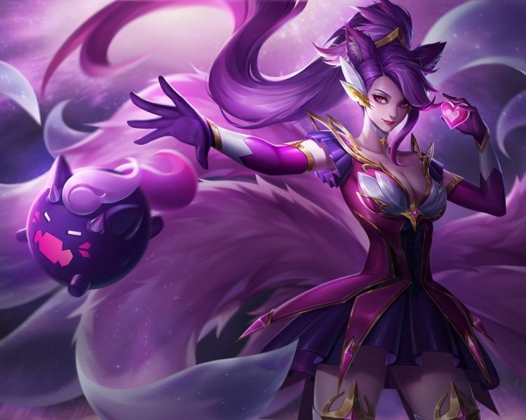 *After calming the spirit foxes and other kitsune in the area. She quickly made her way to the edges