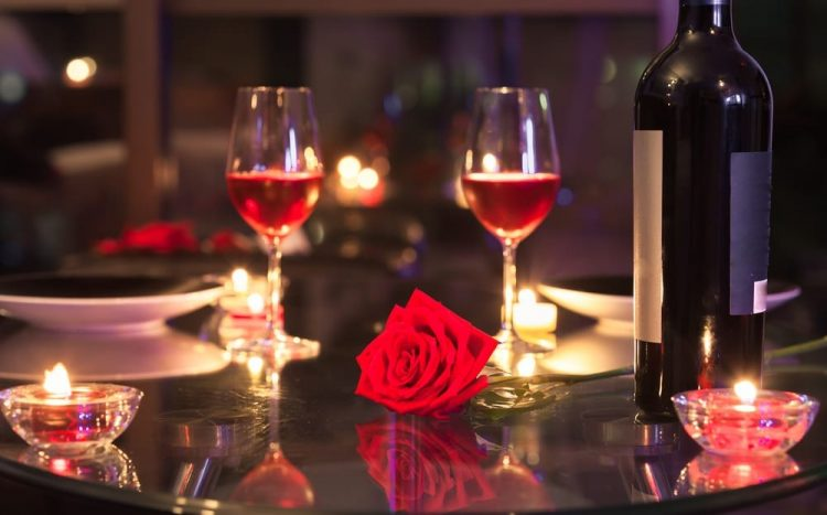 Enjoy Romantic Music at our panoramic skyline restaurant. Have some complimentary champaigne and cho
