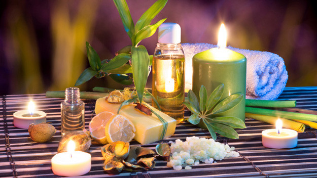 Complimentary exquisite essential oils and scented candles included on all our Spa services FCFBC353