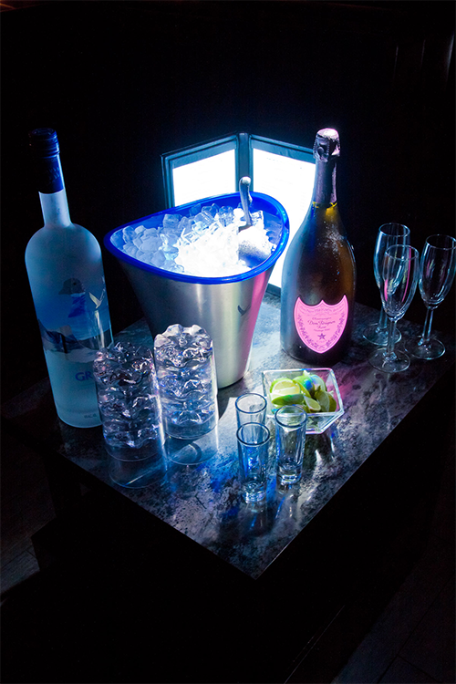 *Noloty had already arranged seating at the VIP lounge and Rika heads there first then nods her head