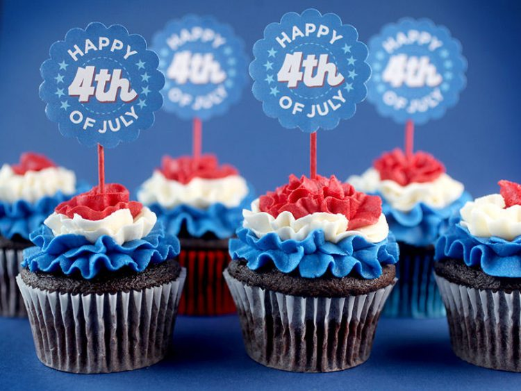 *Stops by the bakery to get some cupcakes for her new friends.* They'll love these! happy-4th-