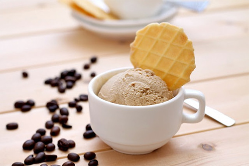 *Hikari had some of he black ice cream but she needed something with more of a morning flavor to it.
