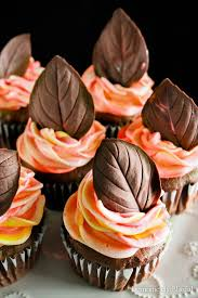 *Bringing in some pastries from SugarSweet Bakery for the Autumn Masquerade Ball.* images (53)