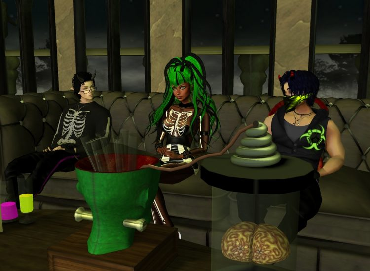 *Spends some time at the IMVU Lounge Halloween fest with Shoichi and Ouzou.* @littlehiruma @satodemo