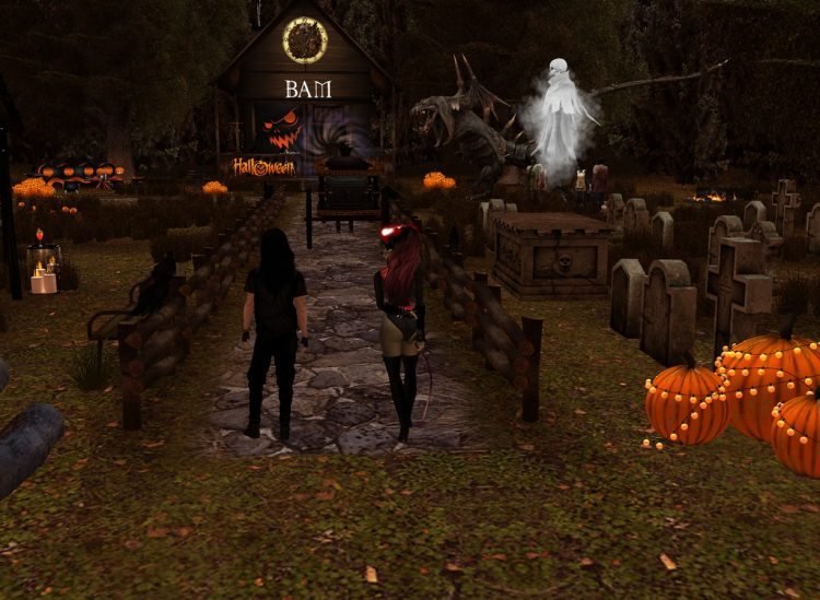 @assassinalvaro *We went out exploring on Halloween.* alvaroandleviachanhalloweenexplore