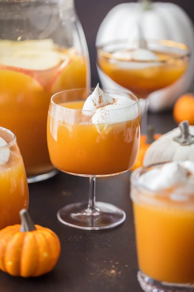 thanksgiving-cocktails-pumpkin-pie-punch-1533140641