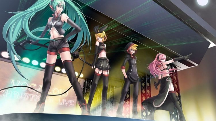 *Having a blast with her friends Echo, Sonar and Myuu, Miku sang her part of the song and danced as