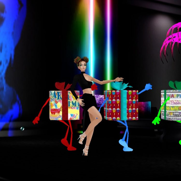 *Dancing with the magical birthday presents+ F7ED9387-5DF5-4336-A9CC-3DDBDEFFB4BE