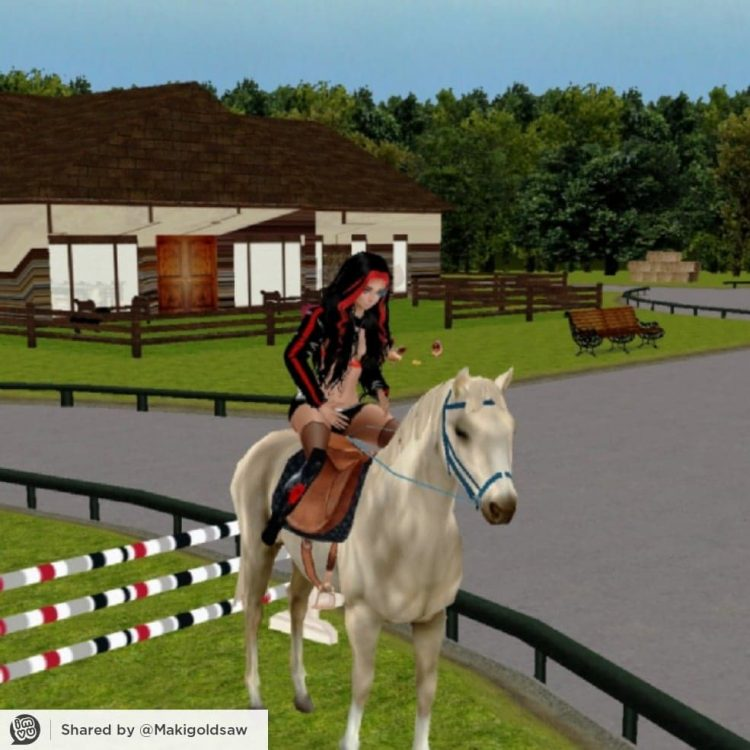 *Mirra had stopped by the stable grounds before she would head home for the night with her husband a