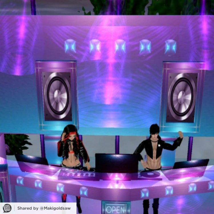 *She and Erato decided to head up the DJ booth with some hot beats for the night* Make some noise! 1