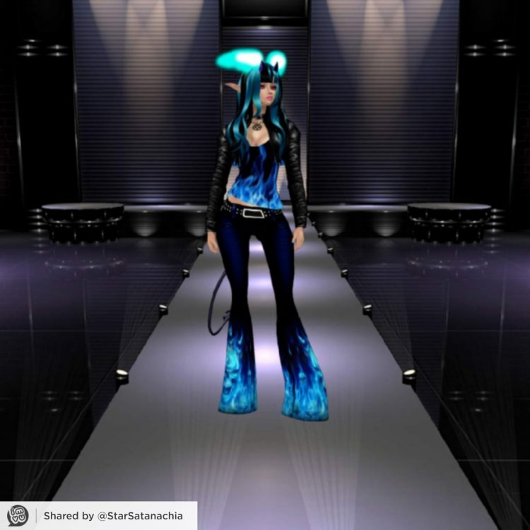 *Then joining in on the fun, she heads over to strut her stuff on the catwalk.* 1622758000068