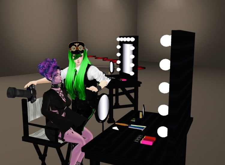 *Backstage discussing the next photo session with cousin Noloty.* @promiscuous ukyoandnolotydiscussi