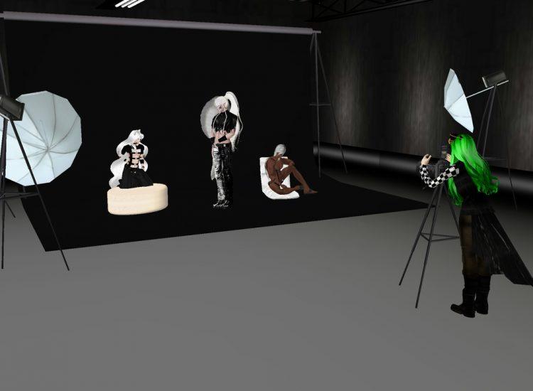 *Getting some more photos at his studio of Lord Sesshomaru, Thoth-sama and Kogi.* @lordsugarsesshy @