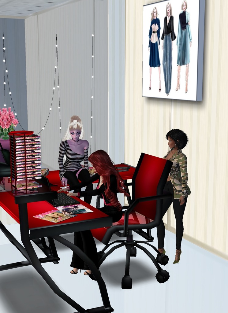 *Rika and Noloty visit Jean at her fancy office* I love what you did here! It's perfect! *sits on