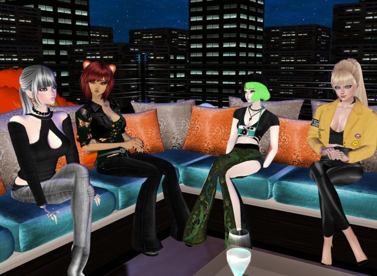 @kandace @tamaki @candycandyali *Taking a break on the rooftop she joins up with Kandace, Tamaki and