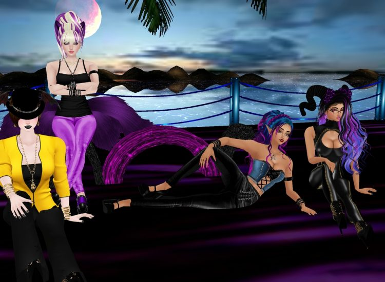*Of course there would be some modeling at the beachside.* @purpledemonflame @devillady @skybluedemo